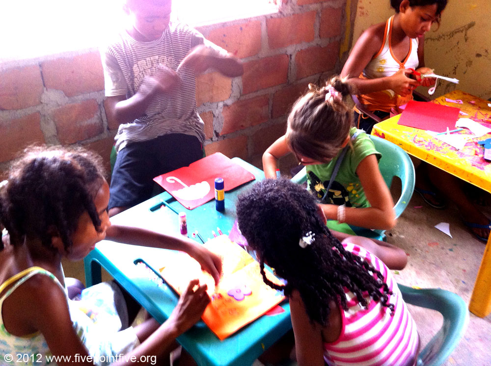 Art day in school - Volunteer in Coloimbia