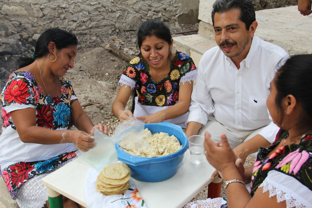 Making Tortillas with the Mayan Solar group