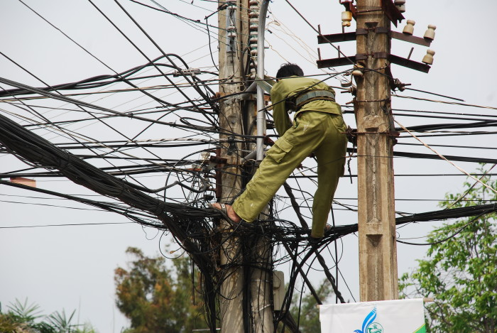 Crazy telephone wire repair Ho Chi Minh