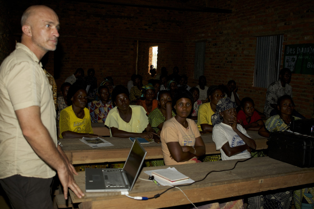 Renaud Fulconis giving a presentation on development in a village in DR Congo. Photo credit: Awely