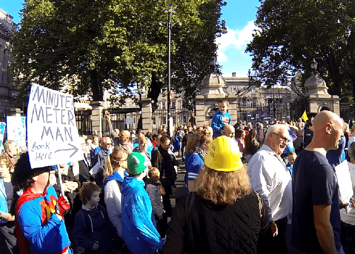 Young Kid Starting Chants in front of the Dail