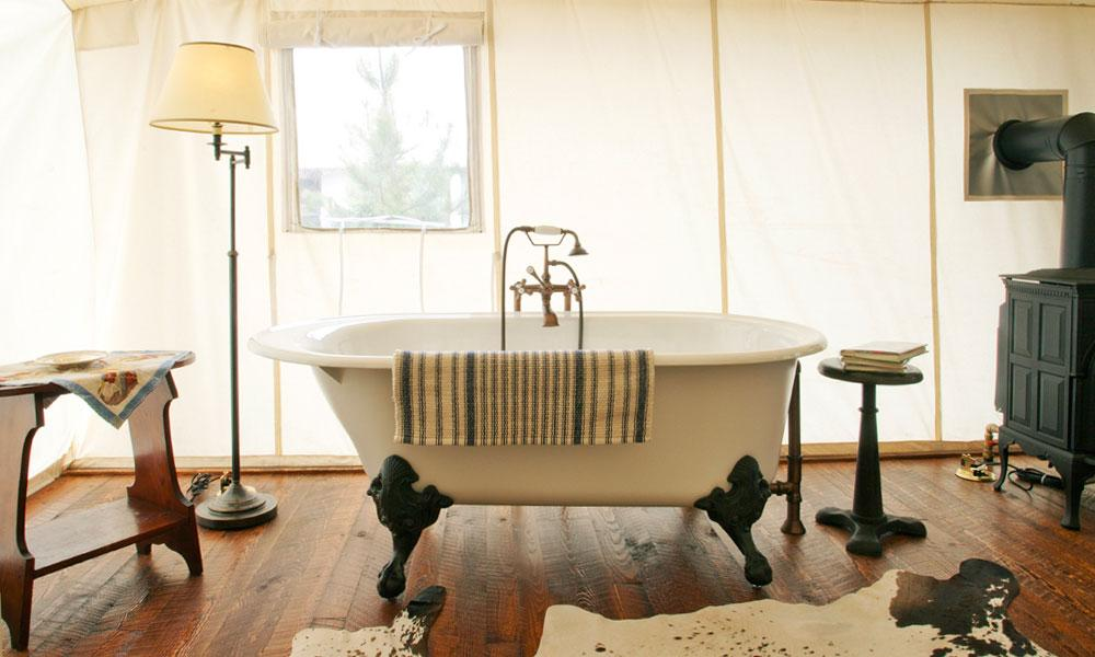 The Ranch at Rock Creek - Claw Foot Bath - Luxury Glamping