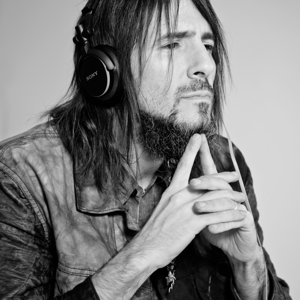 Six Beats of Separation Ron 'Bumblefoot' Thal