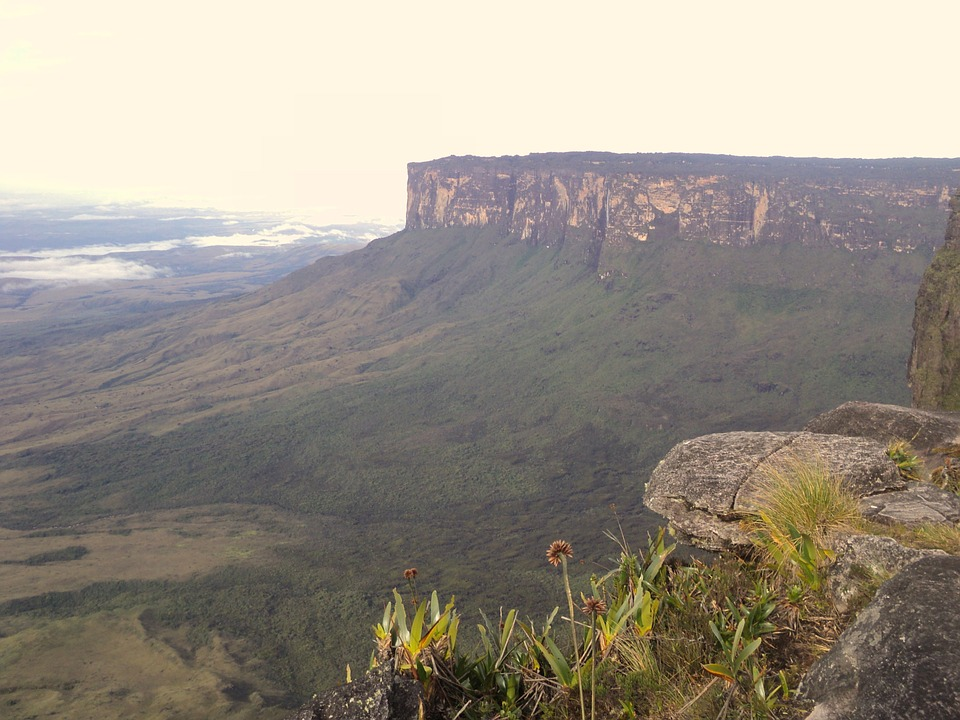 "Mount Roroaima""Welcome to the Lost World"""